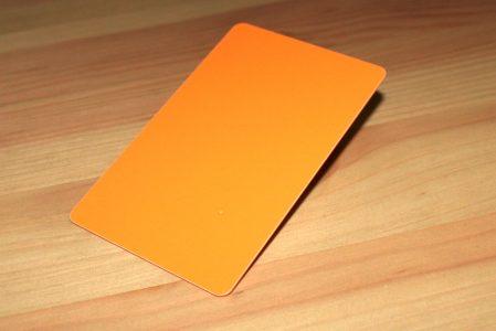 tarjetas plásticas naranjas
